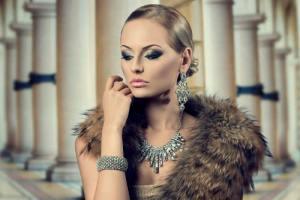 Amazing-Earring-Styles-Most-Men-Like-on-Women1